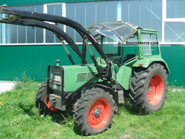 1976 Fendt  108-S Agricultural vehicle Tractor photo