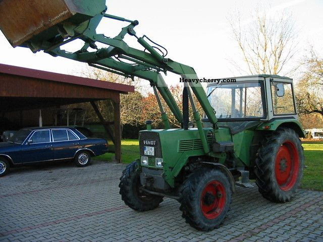 1975 Fendt  105 S Turbo Automatic type FWA258S Agricultural vehicle Tractor photo
