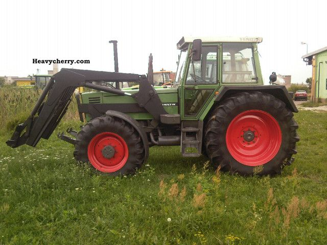 1988 Fendt  311 LSA Agricultural vehicle Tractor photo