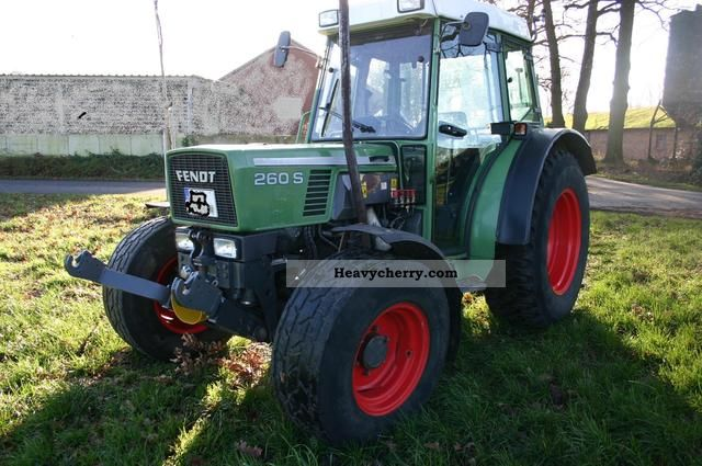 1996 Fendt  260 S Agricultural vehicle Tractor photo