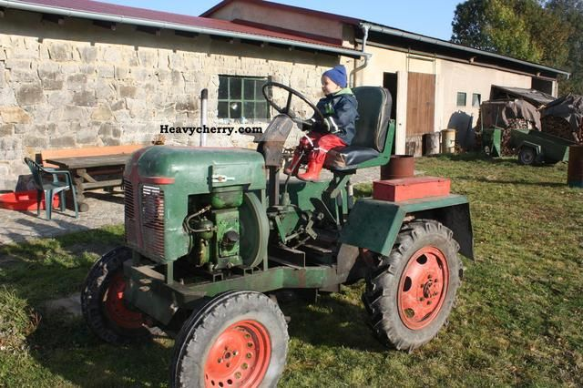 1970 Fortschritt  DIY Agricultural vehicle Tractor photo
