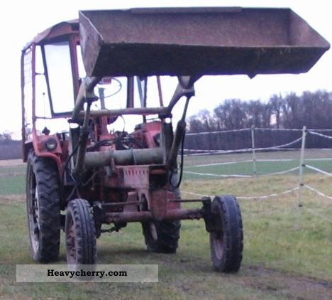 1970 Fortschritt  GT 124 Agricultural vehicle Tractor photo