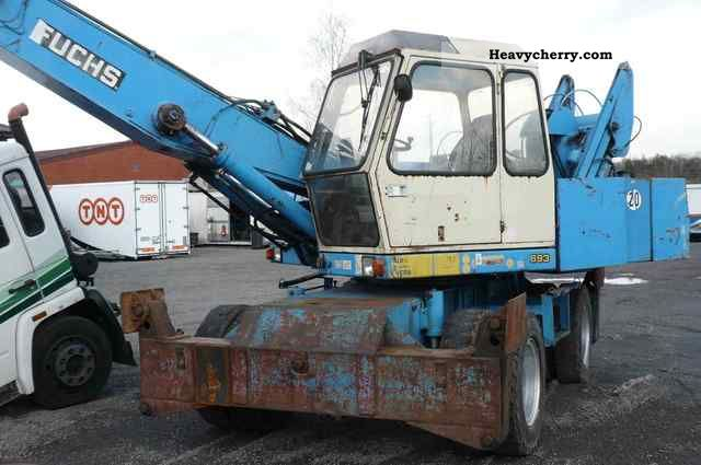 1992 Fuchs  MU 713 excavator Construction machine Mobile digger photo