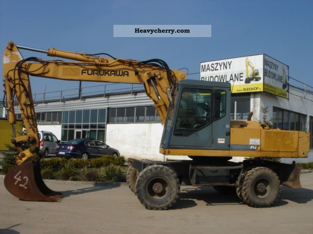 1994 Furukawa  W635E Construction machine Mobile digger photo
