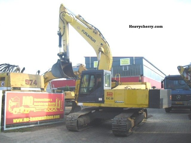1998 Furukawa  28TEigengewicht 645 **, ** 90% suspension Construction machine Caterpillar digger photo