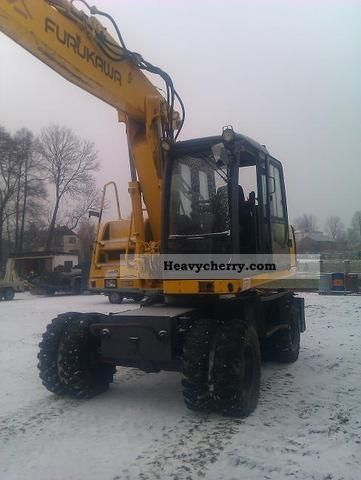 1998 Furukawa  730 LS Construction machine Mobile digger photo