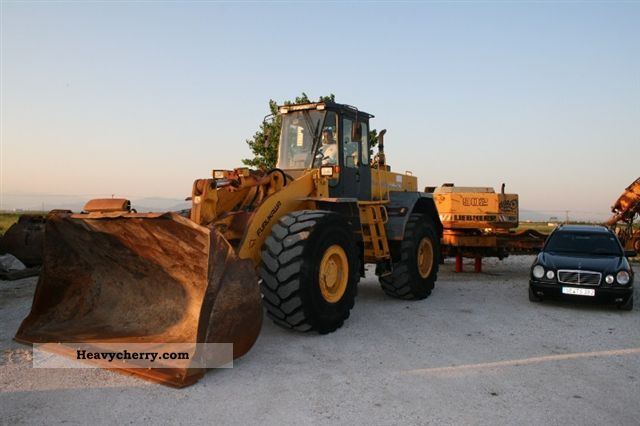 2011 Furukawa  365 Air / conditioning, central lubrication Construction machine Wheeled loader photo