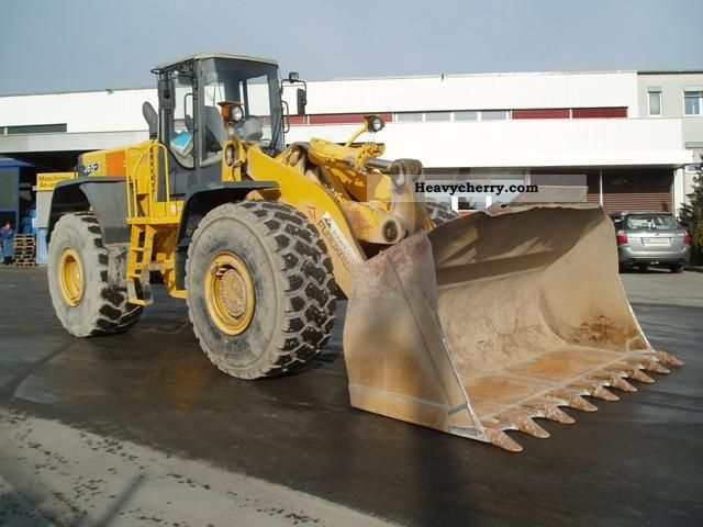 2001 Furukawa  365 II Construction machine Wheeled loader photo
