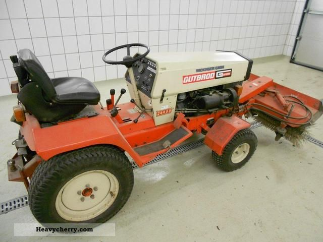 2011 Gutbrod  2500 D S Agricultural vehicle Tractor photo