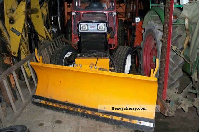 2011 Gutbrod  4300 Agricultural vehicle Tractor photo