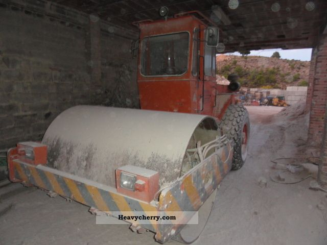 1992 Hamm  2314SD-BJ-1992-Roller-VIBRATION NEUE.REIFEN Construction machine Rollers photo