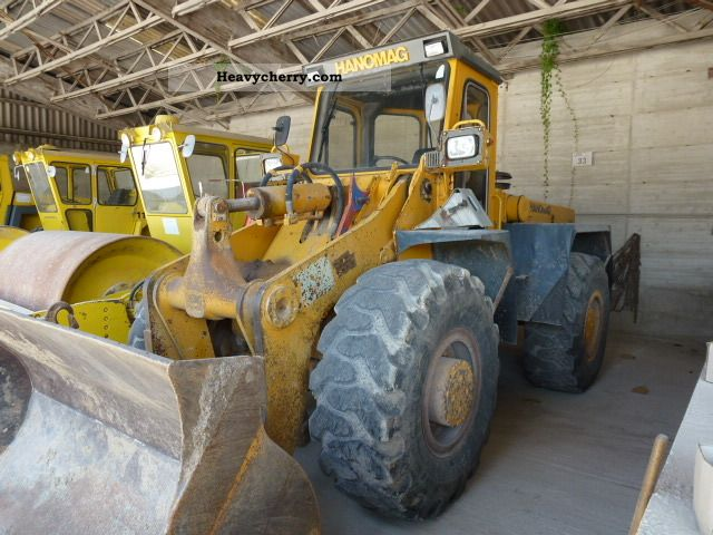 1989 Hanomag  55D Construction machine Wheeled loader photo