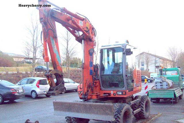 2000 Hitachi  FH. 90 W Construction machine Mobile digger photo