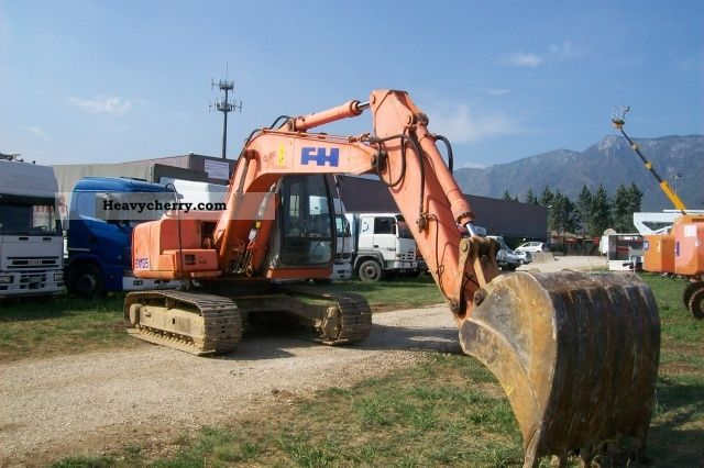 1999 Hitachi  EX135 Construction machine Caterpillar digger photo