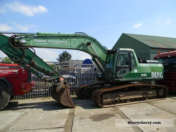 2005 Hitachi  ETEC 826 RUPSGRAAFM ACHINE Construction machine Caterpillar digger photo