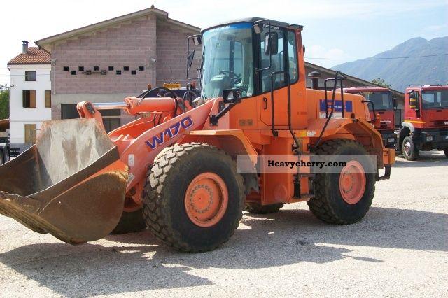 2002 Hitachi  W 170 Construction machine Mobile digger photo