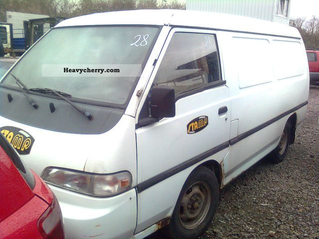1994 Hyundai  H 100 Van or truck up to 7.5t Box-type delivery van photo