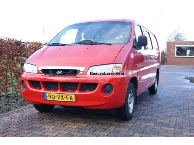 2001 Hyundai  H 200 2.5 TD DUBBEL CABINE Van or truck up to 7.5t Box-type delivery van - high and long photo
