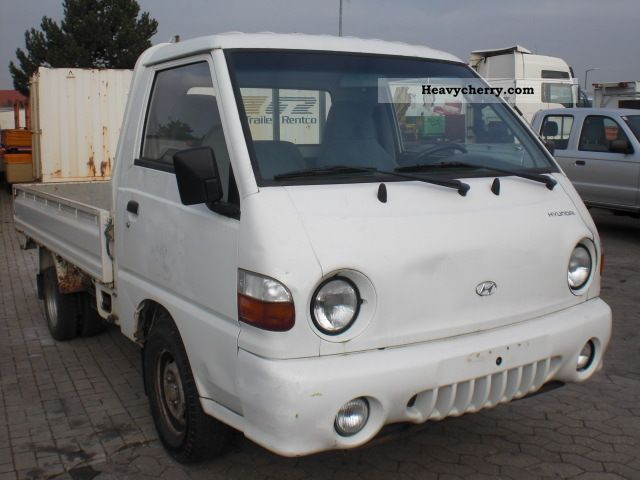 1997 Hyundai  H 100 Van or truck up to 7.5t Stake body photo