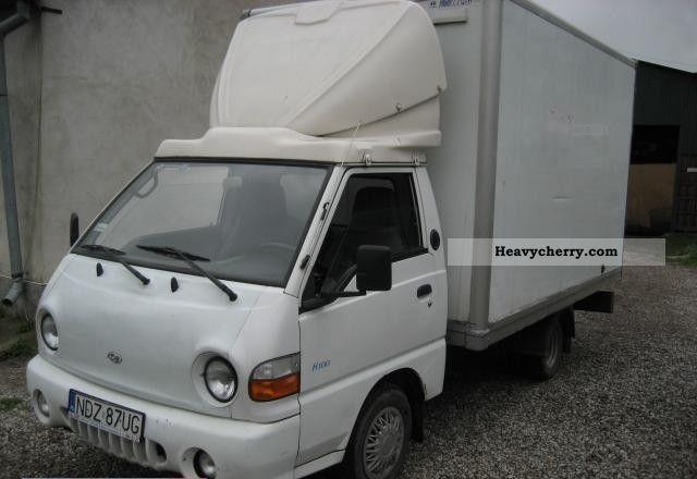 1999 Hyundai  H 100 Van or truck up to 7.5t Refrigerator body photo
