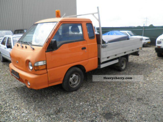 1998 Hyundai  H 150 truck dual wheels NET 2999, - Van or truck up to 7.5t Stake body photo