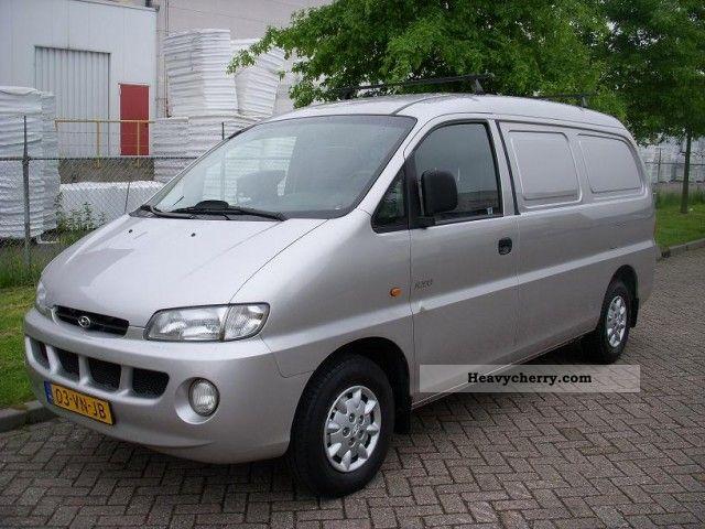 2000 Hyundai  H 200 2.5 Turbo Diesel! bj: 2000! 149 636 KM! Van or truck up to 7.5t Box-type delivery van photo