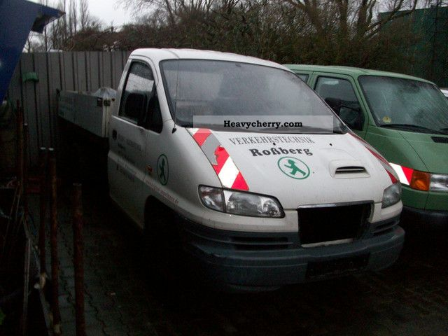 2005 Hyundai  H 1 GOOD CONDITION TRUCK ENGINE DAMAGE ZWILLINSBE Van or truck up to 7.5t Tipper photo