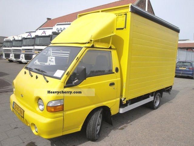 1998 Hyundai  H 150 Bakwagen Van or truck up to 7.5t Box photo