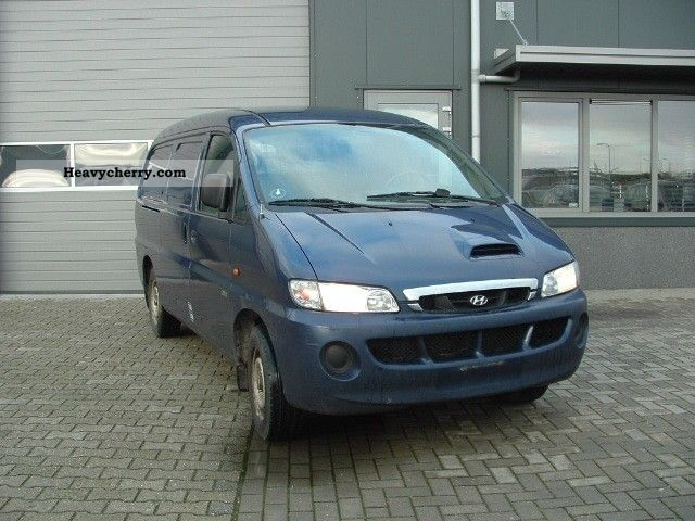 2004 Hyundai  H 200 2.5 Crdi Powervanes LONG Van or truck up to 7.5t Box-type delivery van photo