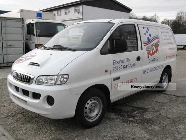 2006 Hyundai  H 200 2.5 CRDI box AHK first Hand Van or truck up to 7.5t Box-type delivery van photo