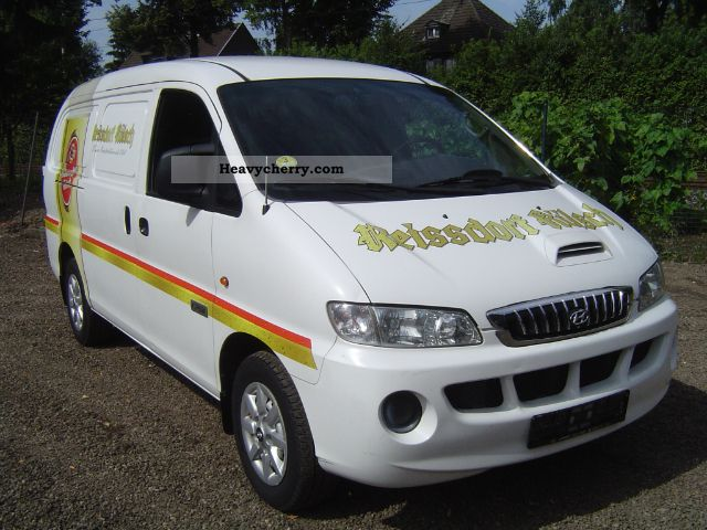 2006 Hyundai  H 1 2.5 TD Van or truck up to 7.5t Box-type delivery van photo