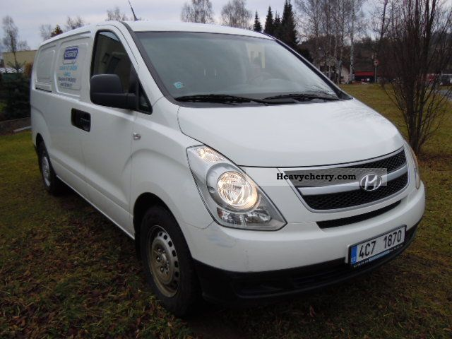 2010 Hyundai  H 1 170 HP warranty Van or truck up to 7.5t Box-type delivery van photo