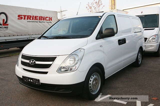 2008 Hyundai  H - 1 truck 170 hp Van or truck up to 7.5t Box-type delivery van photo
