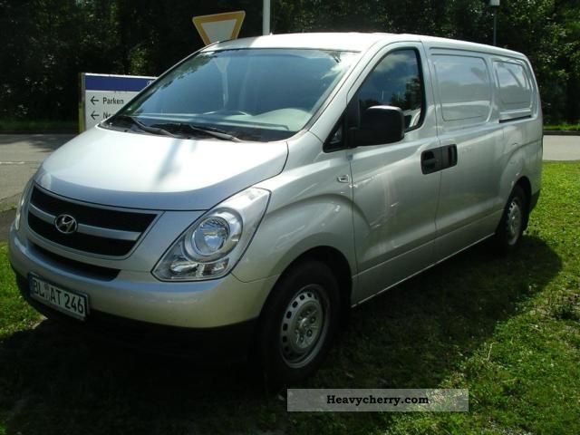 2009 Hyundai  Cargo 1 H HK (H-1) Van or truck up to 7.5t Box-type delivery van photo