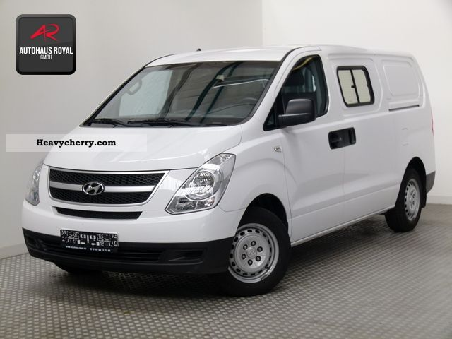hyundai h1 2010 box type delivery van photo and specs. Black Bedroom Furniture Sets. Home Design Ideas