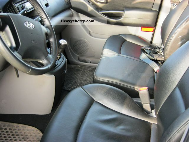 hyundai h300 leather seats 2011 box type delivery van photo and specs. Black Bedroom Furniture Sets. Home Design Ideas