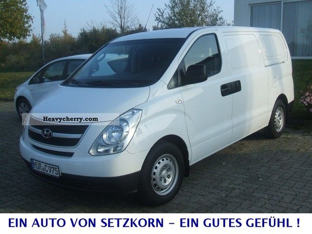 2008 Hyundai  H 1 Cargo 2.5 CRDI Van or truck up to 7.5t Box-type delivery van photo