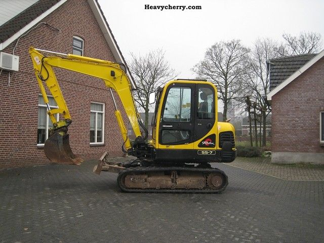 2006 Hyundai  55-7 Construction machine Mini/Kompact-digger photo