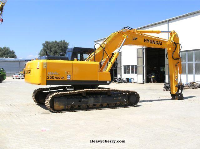 2008 Hyundai  R 250 NLC-7A Construction machine Caterpillar digger photo