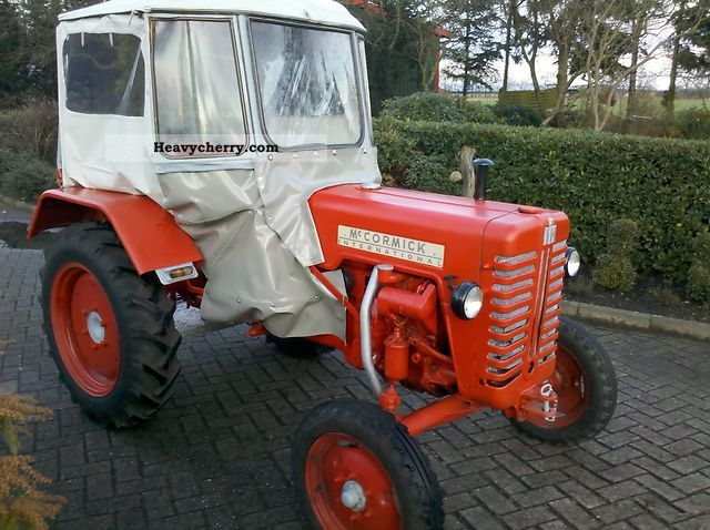 1959 IHC  D-215 Agricultural vehicle Tractor photo