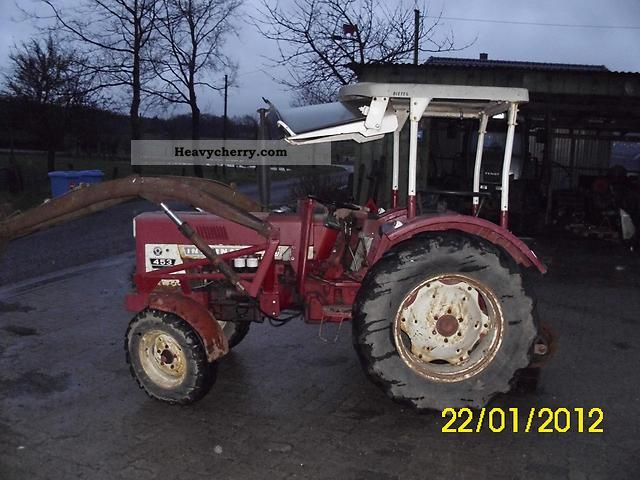 1974 IHC  453 Agricultural vehicle Tractor photo