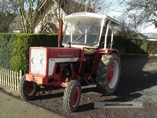 1968 IHC  353 Agricultural vehicle Tractor photo