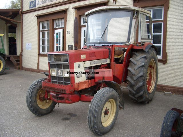 1973 IHC  724S Agricultural vehicle Tractor photo