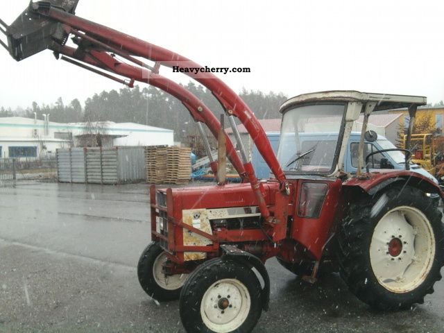 1973 IHC  654 Front, Top, Power Steering Agricultural vehicle Tractor photo