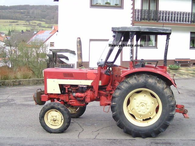 1973 IHC  423 Agricultural vehicle Tractor photo