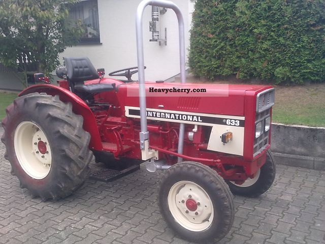 1979 IHC  633 E plantation / orchard Agricultural vehicle Tractor photo