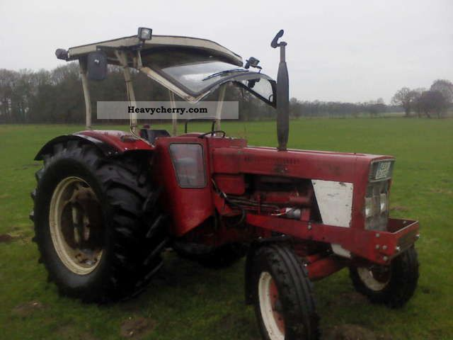 1972 IHC  824 S engine NEW! Agricultural vehicle Tractor photo