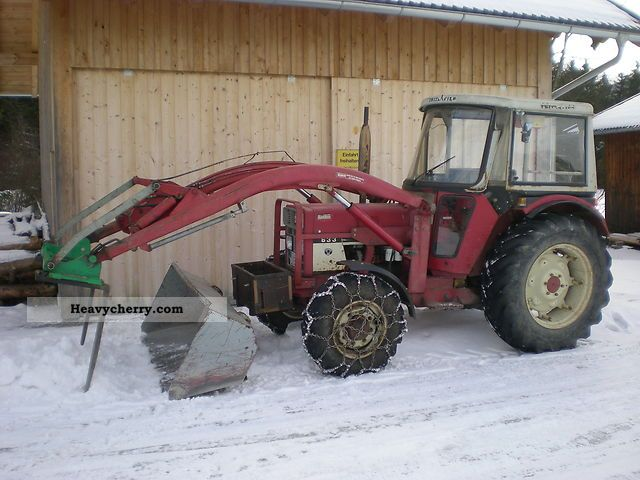 1979 IHC  633A Agricultural vehicle Tractor photo