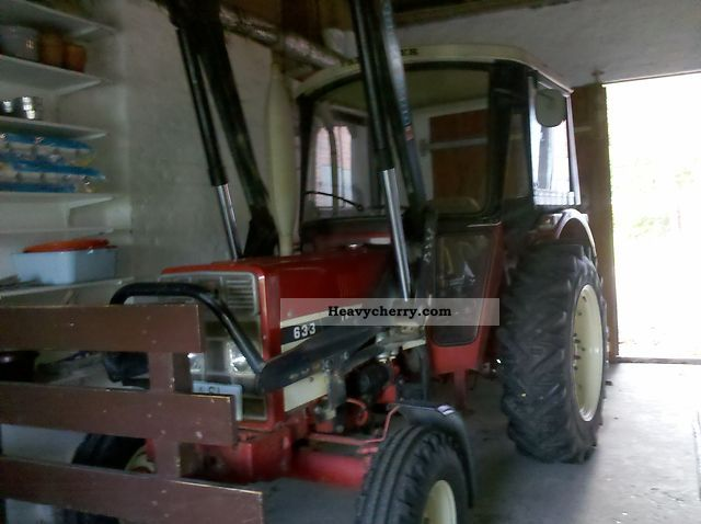 1983 IHC  633 Agricultural vehicle Tractor photo