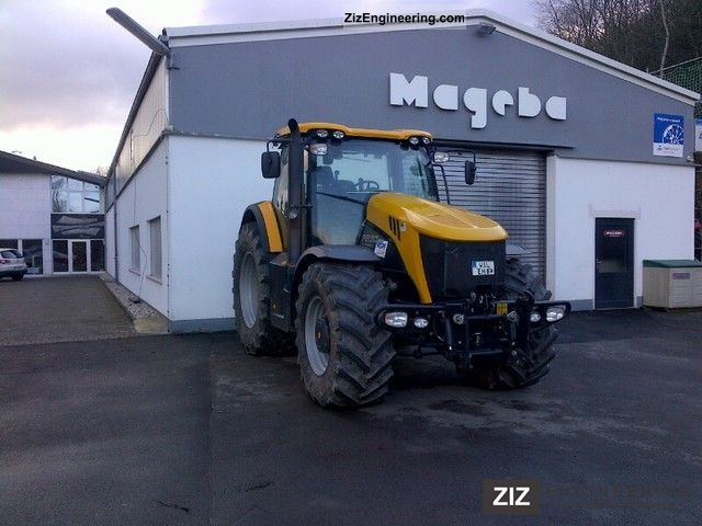 2010 JCB  Fastrac 7230 - four-wheel tractor Agricultural vehicle Tractor photo